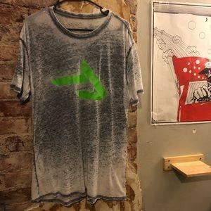 Thread fast logo shirt